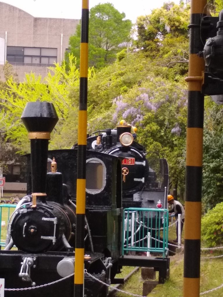 確か?国鉄OBの皆さんの恒例ボランティアでトーマス弁慶號、もう一台もスッキリ